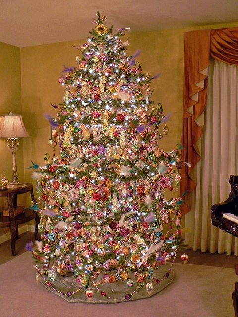 Mundanacity good bad and wickedly ugly christmas trees 2009 - Arbol de navidad morado ...