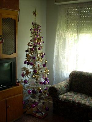 tree-qE5a1LgC